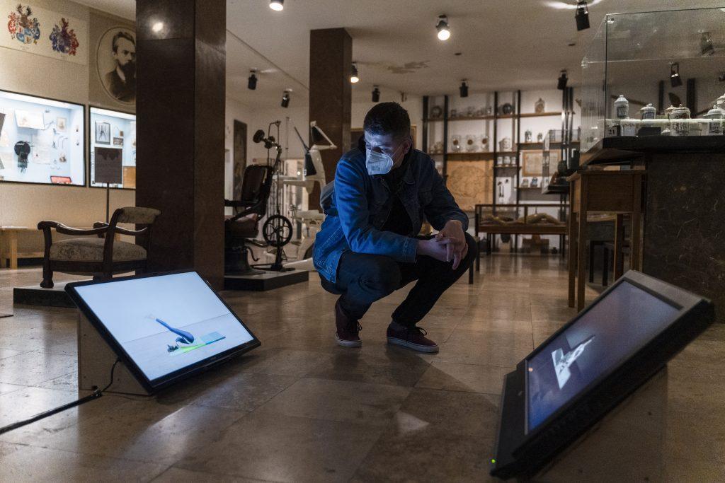 balazs varju toth installation view suffocation exercises 2020